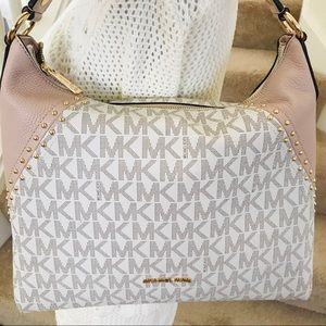Michael Kors Vanilla ballet medium shoulder bag